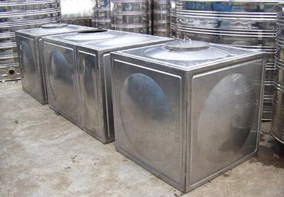 不锈钢板或碳钢板焊制的容器